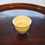 京都和久傳 - 最初にだされるお茶