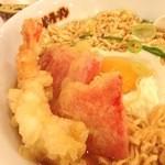 大阪満マル - 大阪満マルのチキンラーメンに海老と紅生姜の天ぷらをトッピング!(14.02)