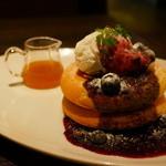 ミクロコスモス - パンケーキ(ブルーベリー メイプルバター&クリーム)