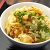 手打うどん 寿庵 - 料理写真:かき揚げ丼はタマネギ。サツマイモ、カボチャ、ニンジン、長ネギ入り。さくさくの揚げたて。