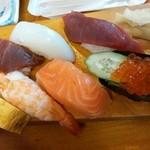 割烹 寿司魚かね - 並にぎり¥900(サービス価格・通常¥1600)
