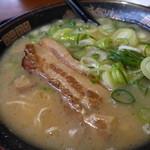 ラーメン横綱 - 料理写真:厚切りバラチャーシュー麺850円