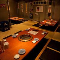 様々なタイプの使いやすいお席がございます。土日は12時~営業