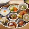 有楽町 うまやの楽屋 - 料理写真:「市川猿之助の楽屋めし」。海老フライ、焼き魚、お刺身、ざる豆腐、とろろect…贅沢な一品です。