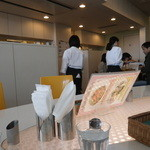 ピースタイルカフェ - キレイな店内。