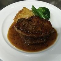 ビストロ プペ - 牛ヒレ肉のフォワグラ添え