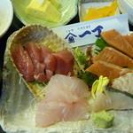 魚や一丁 - 本日のお刺身定食 税込880円