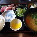 味労 - 刺身三点盛りの定食。1,000円也。税込。