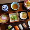 かに徳 - 料理写真:最安値の松花堂ランチ(¥880)内容は濃いと思います。