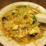 新華苑 - 料理写真:3月17日の日替わり、揚げそば。