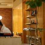 THE CAFE - 店内