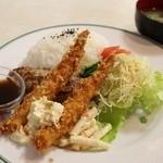 公園通りの洋食屋 ROMAN - 和風ハンバーグと海老フライプレート 1100円。