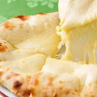 極上で絶品のチーズナン