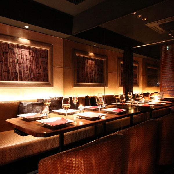 https://tabelog.ssl.k-img.com/restaurant/images/Rvw/25560/25560156.jpg