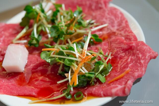 https://tabelog.ssl.k-img.com/restaurant/images/Rvw/25569/640x640_rect_25569443.jpg