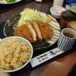 とんかつ 藤よし - 満腹ロースランチ(タケノコご飯、豚汁)