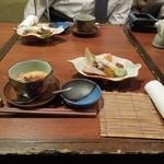 國安 - テーブル上、先付けと前菜はすでに用意。 H26.3