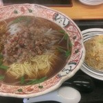 台湾料理 餃子の舞 - 料理写真:台湾ラーメン(大盛り)+半チャーハン