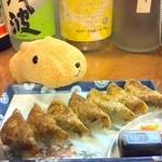 ひろめ市場 - ひろめで安兵衛さんの餃子(中生とセットで800円)