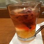 カフェドクリエ - 底に沈んでる柚子をよくかき混ぜて飲みましょう♫