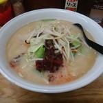 ちゃんぽん亭 - 料理写真:ちゃんぽん 辛子高菜(?)を入れてみました