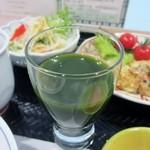 やずや 皆友亭 - ドリンクコーナーから私が持って来たのは飲みやすい「養生青汁」です、久々の青汁でした。