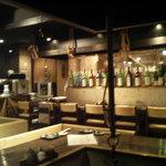 囲炉裏料理と日本酒スローフード 方舟 - 開店直後なのでガラガラですが、すぐに満席になりまし