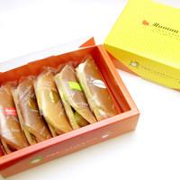 ママンユキ - 特製パンケーキに生クリーム・カスタードクリームがたっぷり詰まったママンオムレット