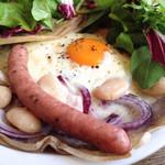 カフェ マメヒコ - マメレット 旬の野菜と北海道ソーセージ