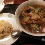 東海飯店 - A五目そば+半チャーハン¥900