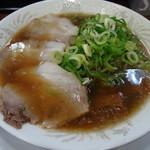 金の豚 - ラーメン(並)700円
