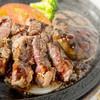 スコール - 料理写真:人気のカットステーキ&ハンバーグコンビ♪
