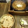 黒うどん 山長 - 料理写真:味噌煮込みうどん+とりめし1,100円