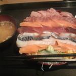 みゆきちゃん定食 - 海鮮丼 大盛り 700円