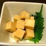博多もつ鍋 よかさん房 - チーズのほたる醤油漬け(400円)