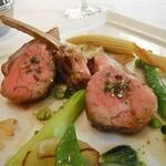 """ラシェリール - Carred'agneau fume""""Sakura"""" roti,au legumes francaise,jus d'ail"""