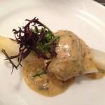 クニオミ - 南仏産アスペルジュ・ブランシュの温製、雲丹とトリュフソース、三陸産牡蠣を添えて