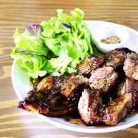 オルタナ特製スペアリブ〜漬け込み肉のハニーバルサミコソースがけ〜