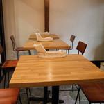 ヴィッコリーノ - 1Fハイテーブル席