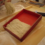 達磨 雪花山房 - optio A30で撮影。打ちたての蕎麦。