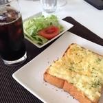 イルソーレ - 料理写真:モーニングセット:チーズトースト441円