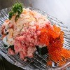 男のイタリアン居酒屋 suEzou JAPAN - 料理写真:【男のこぼれ寿司】豪華!圧巻!!こぼれんばかりの新鮮なネタを思いっきりぶっかけます!※仕入れ状況により内容の変動あり