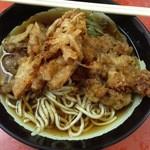 六文そば - ゲソ玉ねぎそば(380):ダシは甘み少ないスッキリ系で麺はお馴染みぶわやわなヤツ