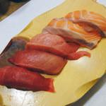 うまい鮨勘 - 『トロサーモン』『本マグロ三昧』