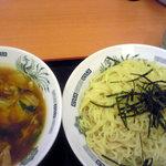 日高屋 - 野菜うま煮つけ麺
