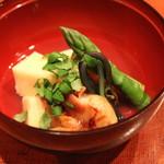 会席料理 岸由 - 筍、アスパラガス、わらび、蛤 の煮物) (2014/04)