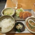 一軒め酒場 - ハムカツ定食¥572-