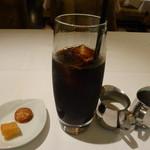 26404019 - アイスコーヒーと付け合せの小菓子