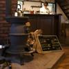 燻香廊 - 内観写真:古民家の木造造りに合わせた調度品・内装は、店主手造りの物も・・・