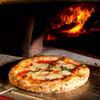 ダンボ ピザ ファクトリー - 料理写真:薪窯で焼くナポリピッツァ